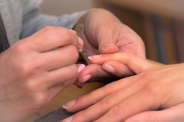 Ujjgyulladás Tünetek, diagnózis, ok és kezelés