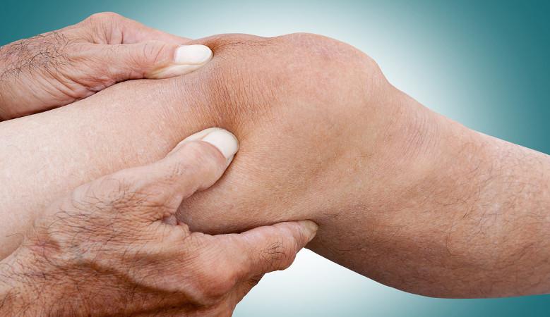 a bal térdízület fájdalma duzzadt a csípőkezelés közös területe