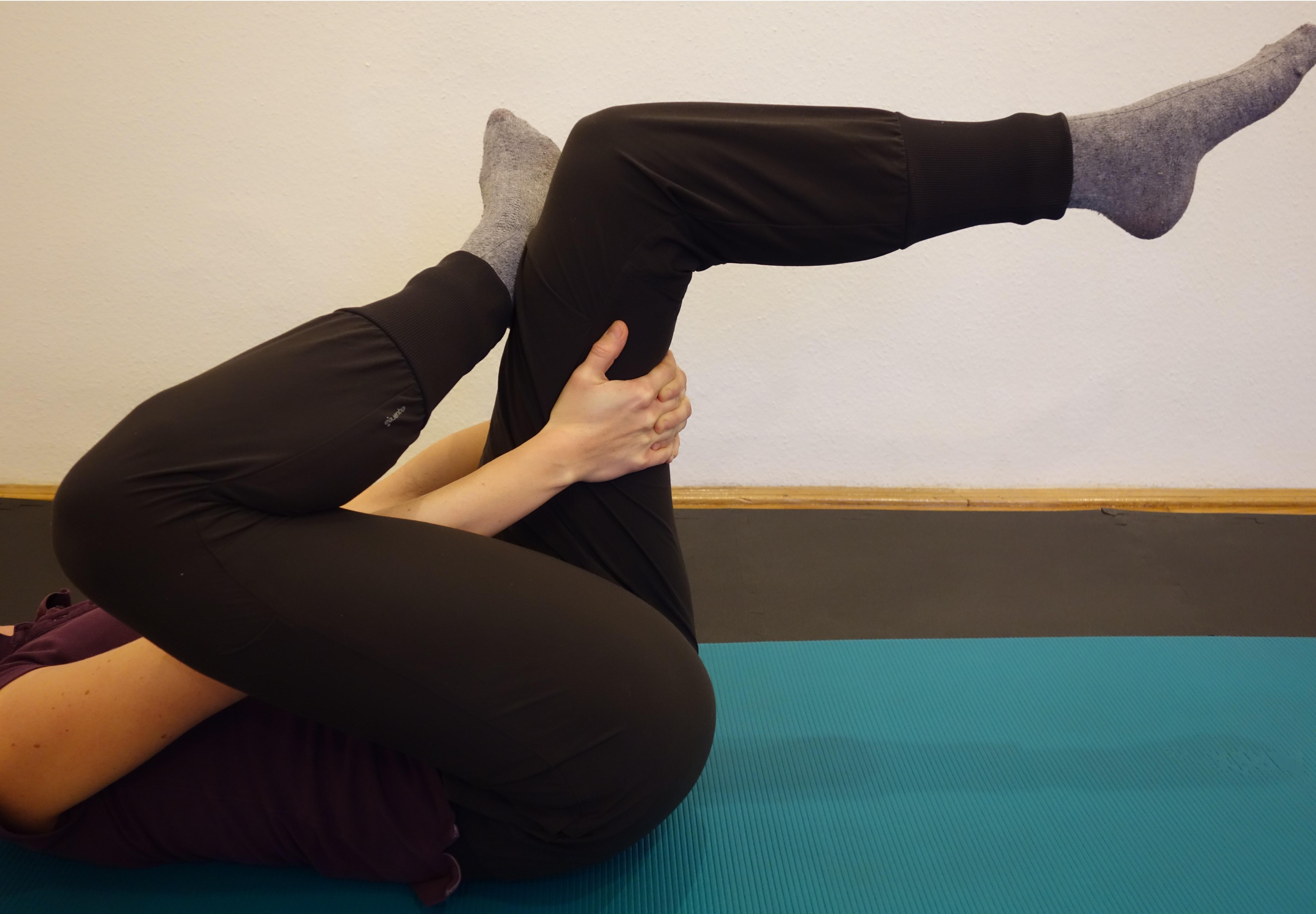 A csípőízületek fájnak a nyújtás után. Nyáktömlő gyulladás is állhat a csípőfájdalom hátterében