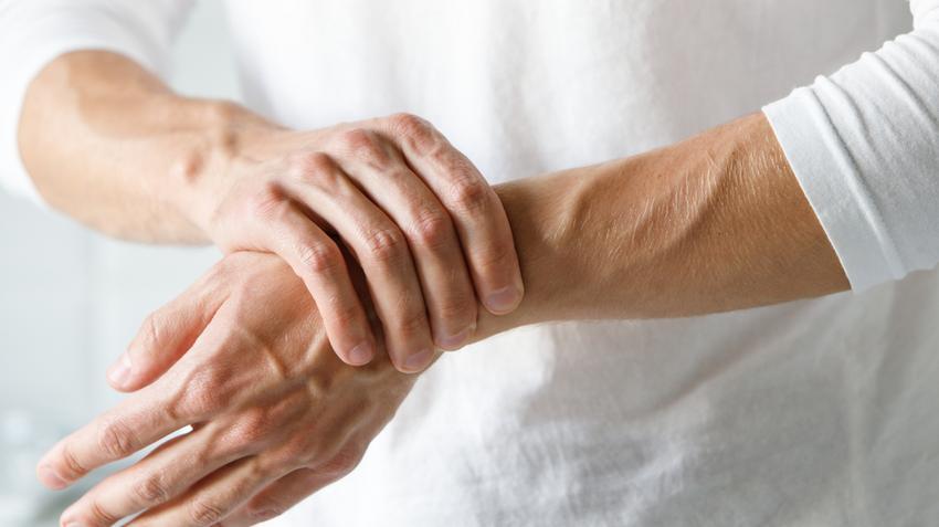 hogyan lehet enyhíteni a traumatikus ízületi fájdalmakat kenőcsök lábízületek kezelésére