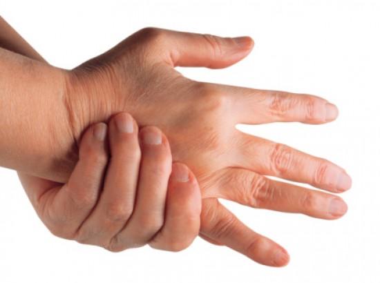 fáj az ujjak közötti ízület