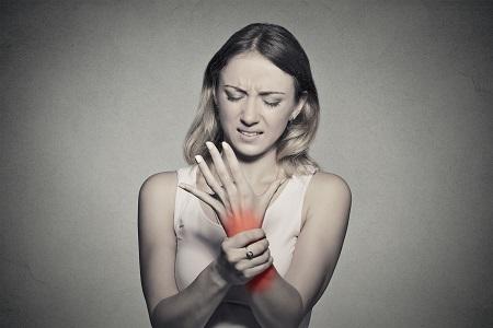 csípőízület és lábak fájdalma ízületi fájdalom és duzzanat orvosolása