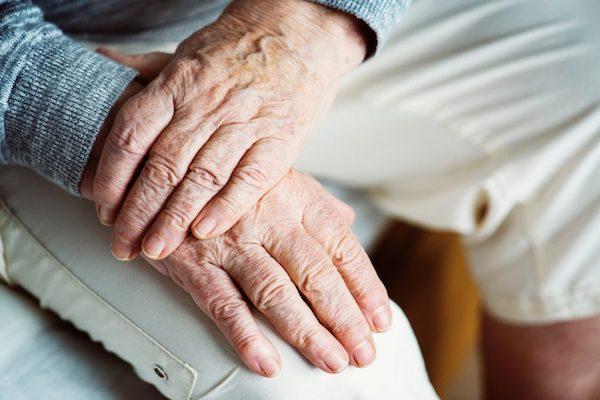 csont kötőszöveti betegség gonarthrosis és synovitis