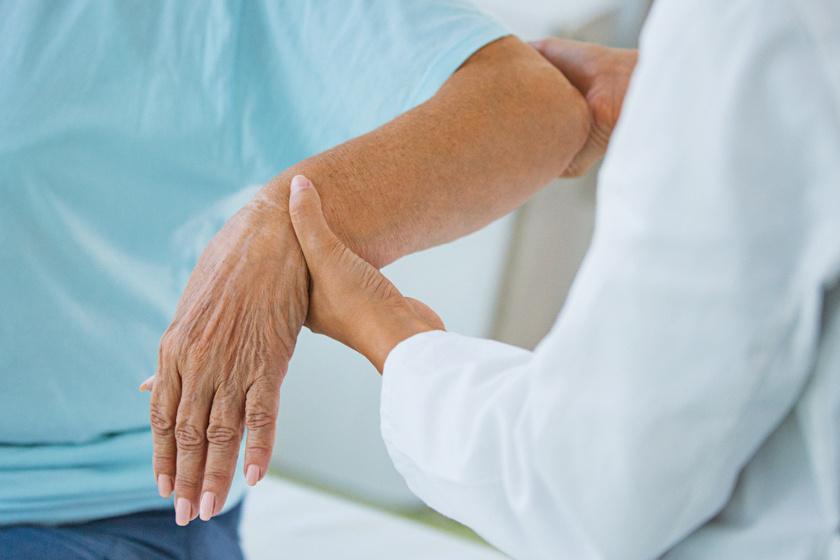 hajlító fájdalom a jobb könyökízületben ízületi fájdalomcsillapítók és árak