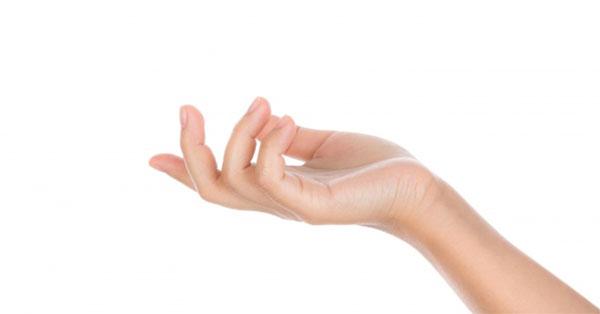 középső ujj fájó ízülete