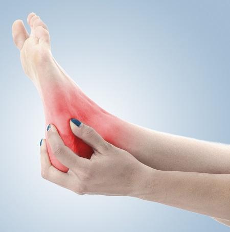 fájdalom a jobb láb kis ujjának ízületében a térdízület deformáló gonarthrosisának kezelése 2 fokkal