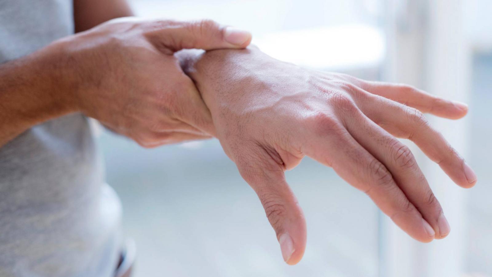izületi fájdalom kéz zsibbadás