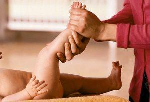 Elfordítja a lábak fájó ízületeit. Figyelem! Felnőtt tartalom!